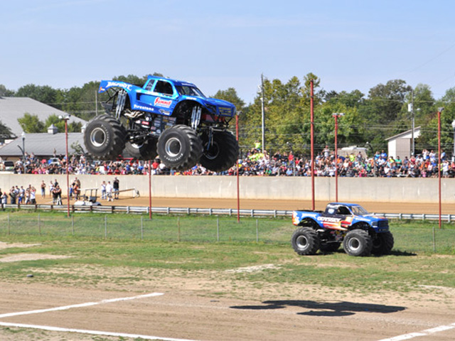 Video: Bigfoot 18 Reclaims The Long Jump Title, Sets A New Record