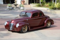 """Ron Cizek's """"Checkered Past"""" Ford Wins The Street Rod d'Elegance"""