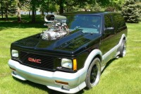 Blown V8 Power In A GMC Typhoon Makes For A Mind-Warping Display