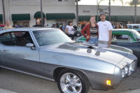 VIDEO: Cruisin' Grand Escondido Nights Brings Crowds And Cars!