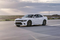Video: Comparing The Hellcats - Charger SRT Versus Challenger SRT