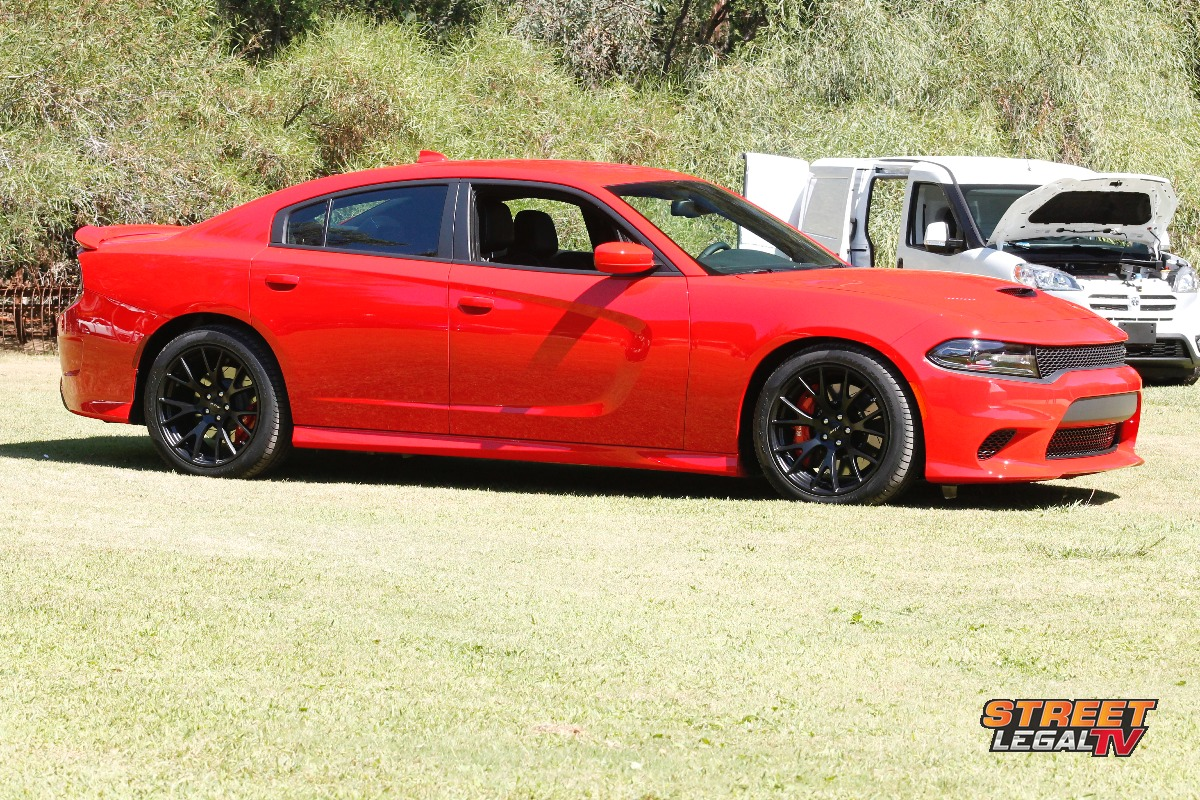 video 2015 dodge charger srt hellcat price announced 63 995 street muscle. Black Bedroom Furniture Sets. Home Design Ideas