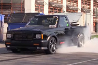 Video: Mean GMC Syclone Tearing Up The Street
