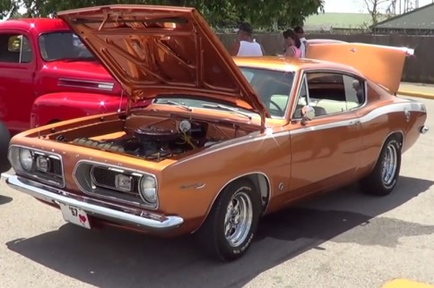 Video: ScottieDTV Spots a 1967 Plymouth Barracuda 340-S