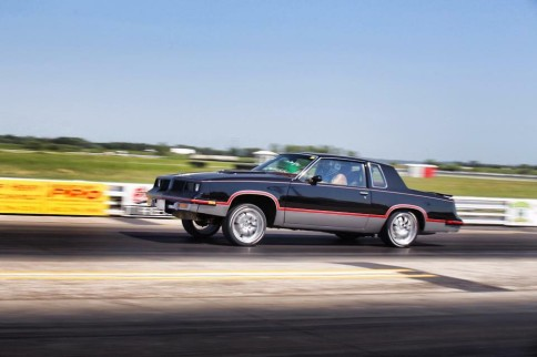 Video: AWD LS2 Cutlass Doesn't Give Pontiac G8 A Fighting Chance