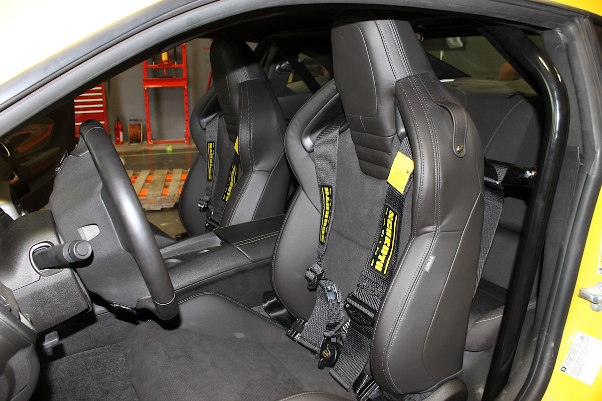 Our 2013 Road Race Camaro gets Z/28 Race Seats and Autopower Cage