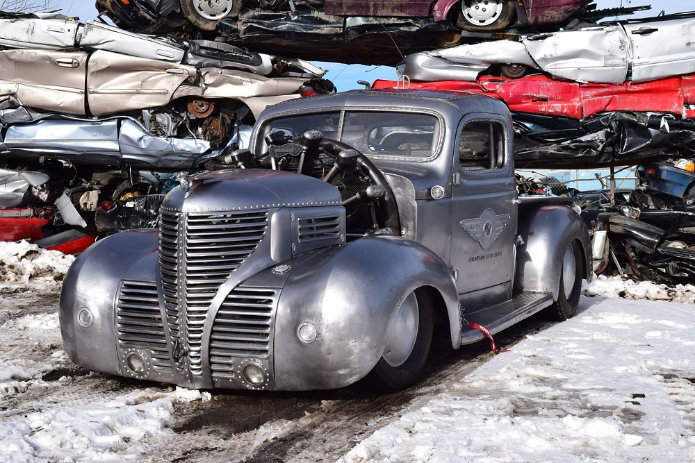 Video: Sticking A Radial Aircraft Engine Into a '39 Plymouth Pickup