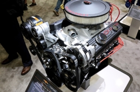SEMA 2016: Surprise! Chevy Performance Unveils New Gen I Crate Motor