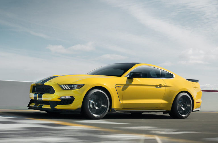 Watch Three Shelby GT350s Ripping Up The Streets!