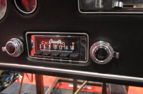 SEMA 2017: Retrosound Puts Modern Music In Your Classic