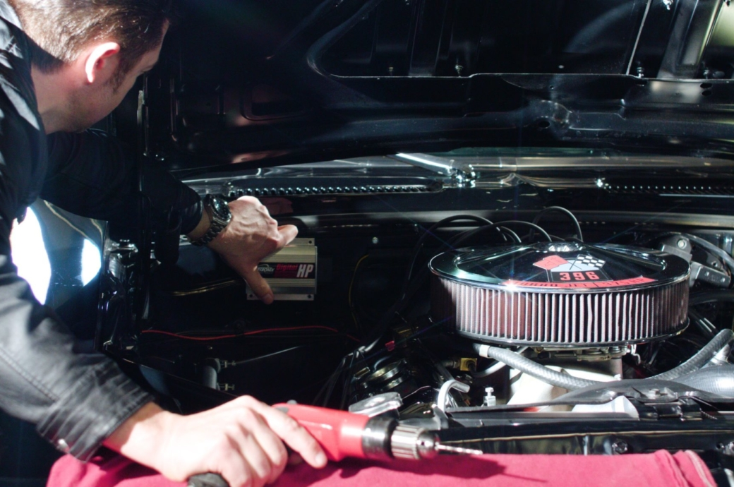Video: How to install PerTronix Digital HP Ignition Box