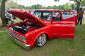 Street Feature: A Slammed C10 With 572 Cubic-Inches Of Motivation