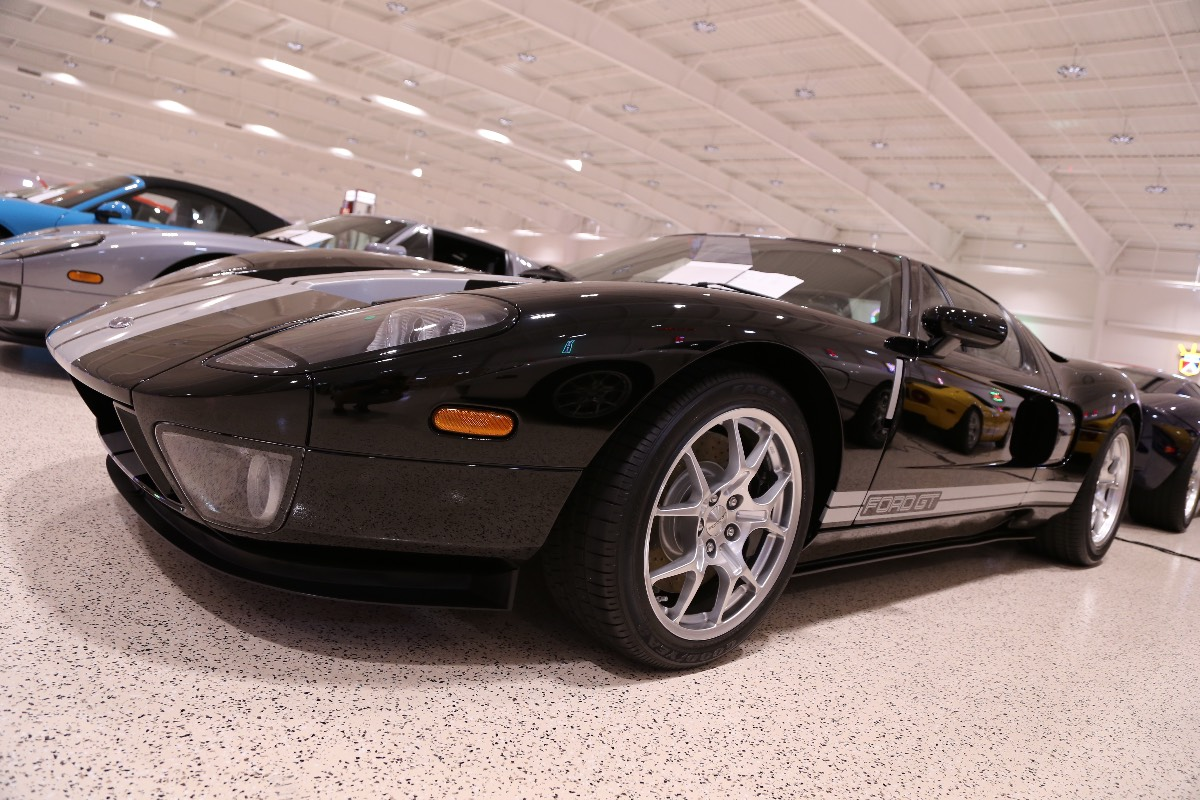 American-Muscle-Car-Museum-Tour-8922006-Ford-GT