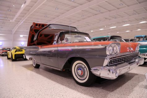 American-Muscle-Car-Museum-Tour-0141959-Fairlane-Galaxie-Skyliner